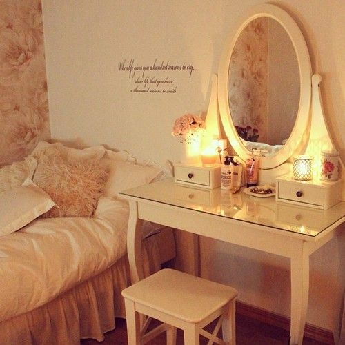 beauty vanity table