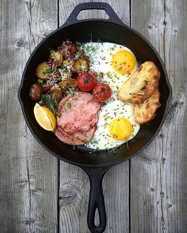 """Question: """"When is a cast iron skillet breakfast a bad idea?"""" Answer: """"Never!"""" Seared ham, lemon rosemary potatoes, fried eggs and tomatoes. #Eatwell Friends #LodgeCastIron @zimmysnook"""