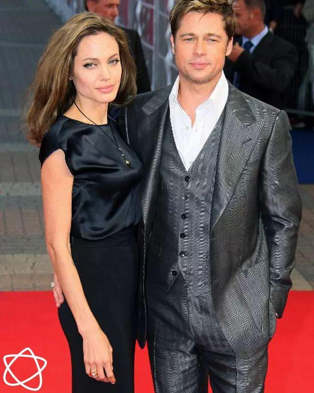 Angelina Jolie dan Brad Pitt telah membuat kesepakatan baru | PT Solid Gold Berjangka Ditengah kesepakatan Angelina Jolie dan Brad Pitt yang akan menutup dokumen perceraian mereka dari publik, keduanya pun masih memperebutkan hak asuh atas keenam anaknya. Jolie memperjuangkan hak asuh fisik atas…
