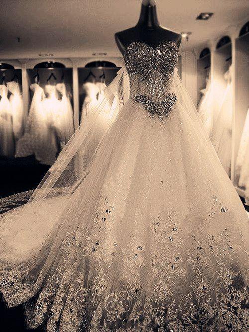 wow beautiful wedding dress brayola.com oh my god that's amazing