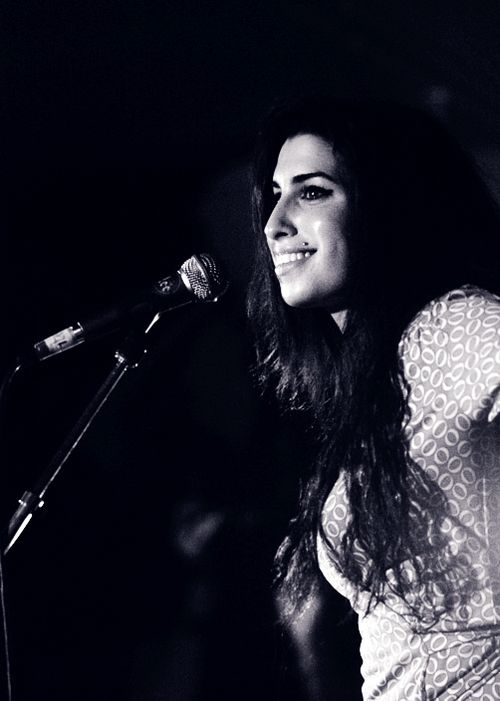 Amy Winehouse #Amy #Winehouse http://www.johanpersyn.com/amy-winehouse-and-exaggerated-norms-in-society/
