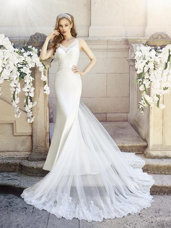 Superb Moonlight Collection J sleek and vintage inspired slim fitting lace trumpet wedding dress with long