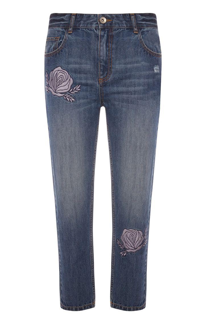 die besten 17 ideen zu bestickte jeans auf pinterest jeans versch nerte jeans und jeansjacken. Black Bedroom Furniture Sets. Home Design Ideas