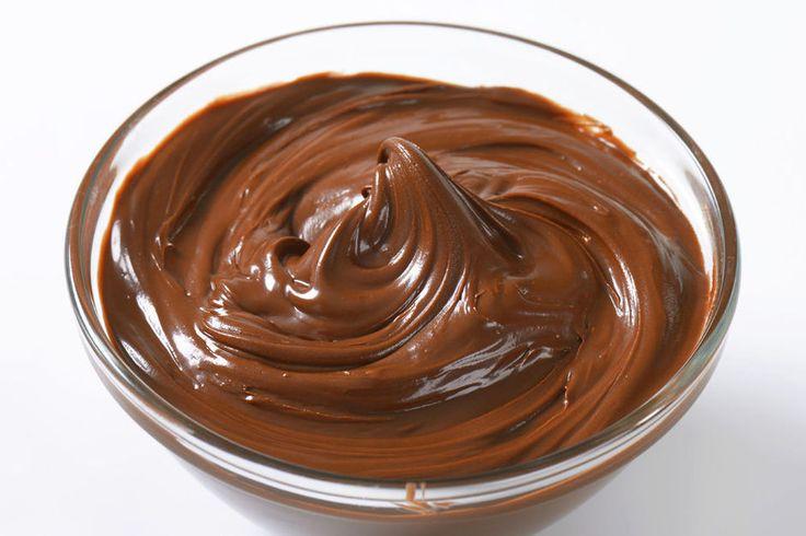 Découvrez la recette du houmous au chocolat, qui combine deux aliments délicieux: le chocolat et le houmous.