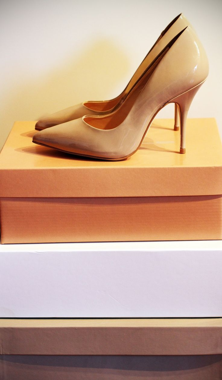 Decollete scarpe tacco colore nude beige con punta tacco spillo