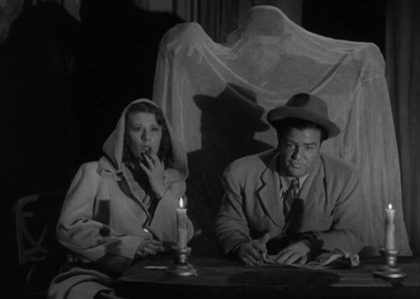 Abbott and Costello: Hold That Ghost (1941) Joan Davis, Lou Costello and  the Ghost! (He's behind YOU!) | Abbott and costello, Ghost scene, Comedy  duos