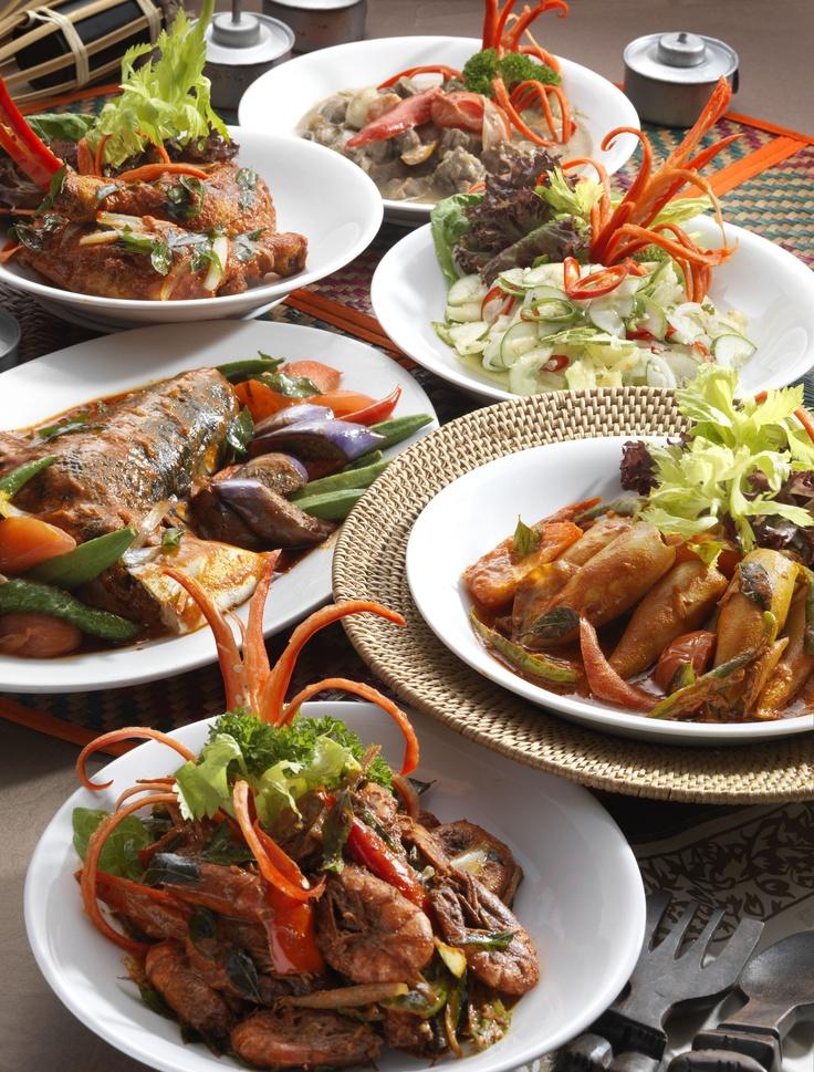 Enjoy a great range of Malay cuisine.