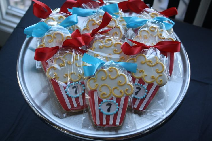 movie night party favor- like this idea for favors with actual popcorn too!
