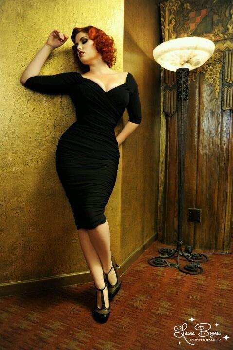 Laura Byrnes California Monica Wiggle Dress In Black Retro And