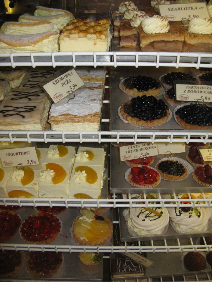 Desserts at a Polish bakery - www.polandculinaryvacations.com