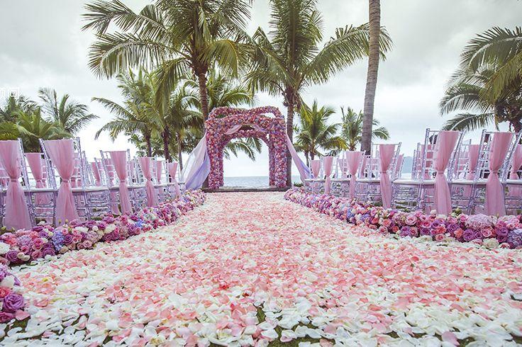 A romantic wedding in pink at #Sanya, where love begins. #Whererefreshingbegins @Romance #beautiful #travel #pretty #vacation #landscape #adventure #wanderlust #SanyaRepin #SanyaHeartstoHearts