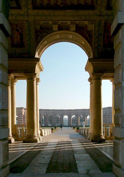 Palazzo Te Mantova  Прототип — трёхчастная арка во дворце Диоклетиана: