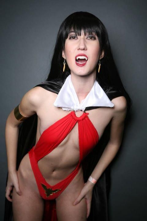 17 Best images about COMICS Cosplay: Vampirella on ...