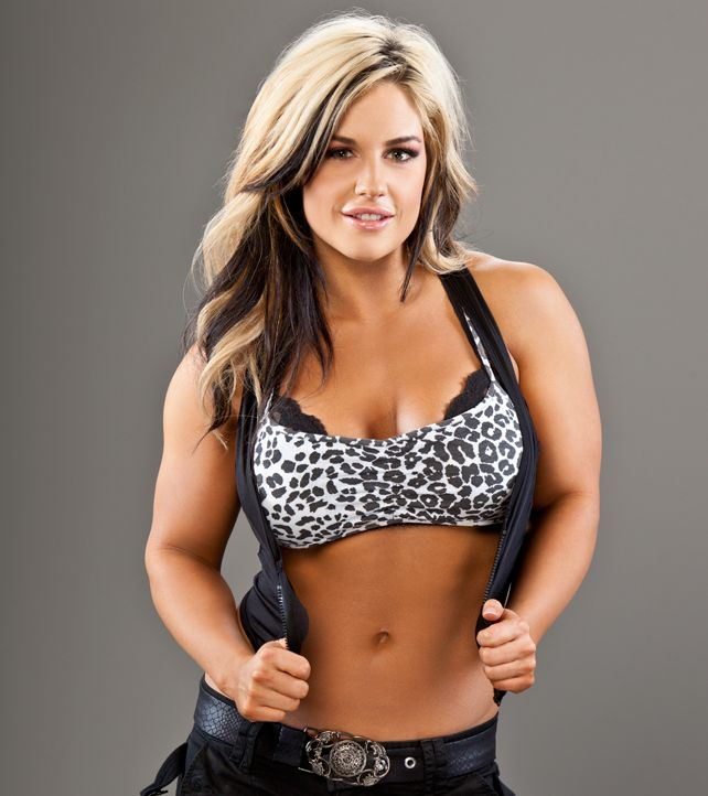 Love you to likeyou to sexy party hot house over eates for Hottest wwe diva
