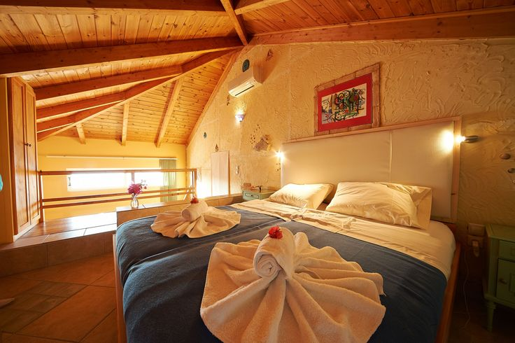 Villas Cavo Marathia - Maisonette Gallery Suite for two adults and up to two children - sleeping area second floor