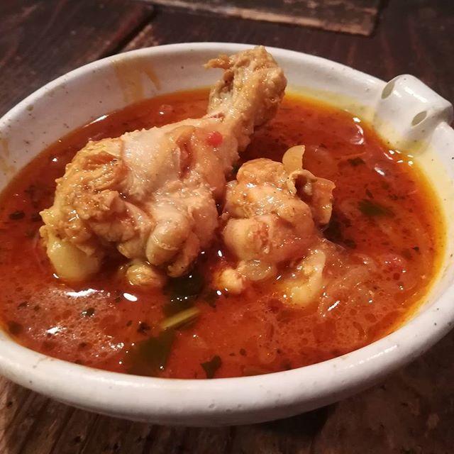 ランチの新メニュースタート!ネパールカレーを日替わりで!! 早速人気になってます。巷のインド料理屋のやらないこと、やっていきます。みなさんの知らない美味しいものをお出ししていきます! #インド料理 #ネパール料理 #カレー #インドカレー #タンドリーチキン #チキン #ナン #チーズナン #炭火 #肉 #麺 #おいしい店 #インドワイン #ライブ #ライブハウス #大阪 #大正 #大正駅 #居酒屋 #ネコ #猫