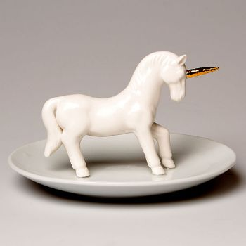 Small Unicorn Trinket Dish: This is a delightful and very quirky jewellery dish featuring a unicorn complete with metallic horn. Made from porcelain, a safe place to keep rings and other small jewellery items.