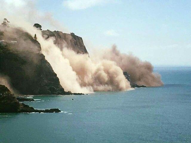 Cliff damage Sumner, earthquake 14 February 2016