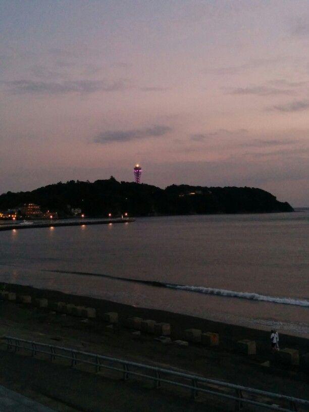 에노시마 해변의 저녁.
