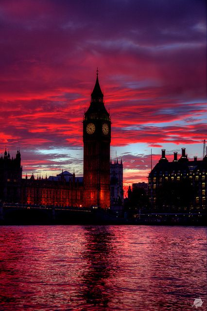 Big Ben, the Houses of Parliament and the River Thames at sunset