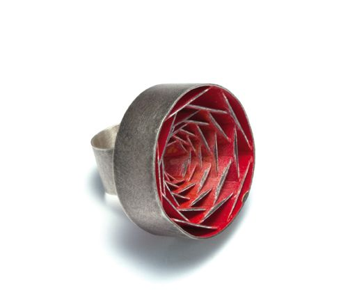 Daniel Kruger  Ring: Untitled 2011  Silver, pigment  To be seen at Galerie Ra Amsterdam
