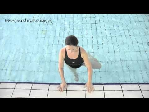 ▶ Ejercicios de piernas en el agua