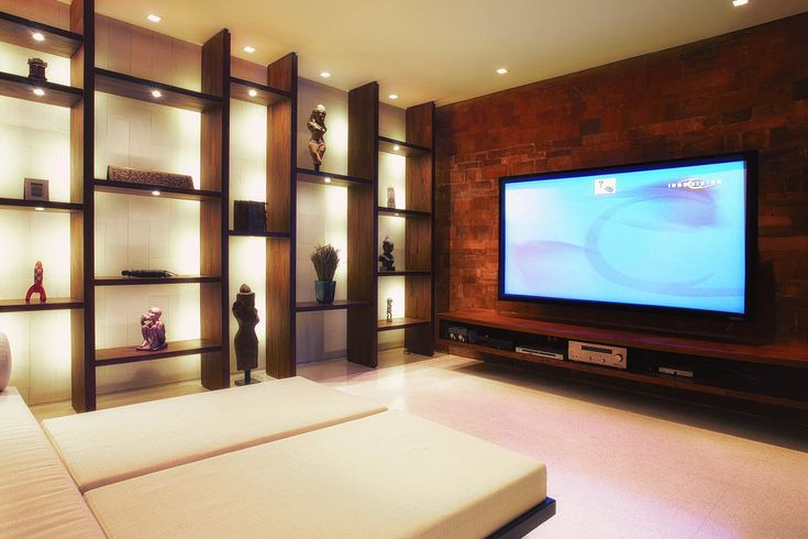 Multimedia Room with 84″ screen and high-end Infocus Projector.