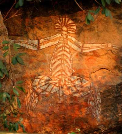 JOJO POST STAR  GATES: IF YOU SAW SOMEONE LIKE THIS WITH ANTENNA?? FLYING AROUND TODAY, MAKE SURE TO TAKE A PHOTO TO SHOW IT TO THE FUTURE GENERATIONS. THEY HAVE DONE IT YEARS AGO FOR US ??? WHAT DO YOU SEE NOW??? WHAT DO YOU THINK???   Flying figures, from Ubirr Rock, Arnhem Land, Australia