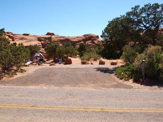 Site 008 Loop Devils Garden Campground At Devils Garden 400 x 300