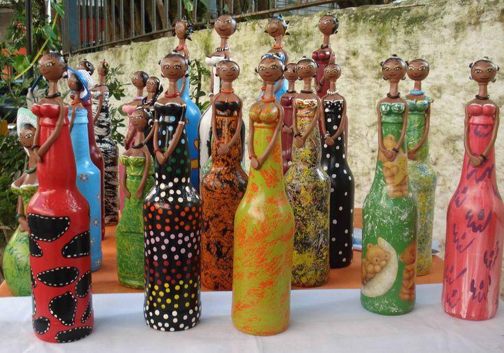 Africanas feitas com garrafas - reciclagem