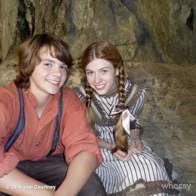 Joel Courtney's Photo | Photos, Toms and Set of