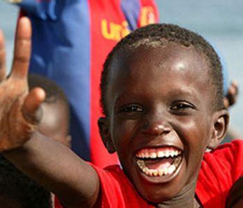 hearty giggles ... Je voelt je opgewekt en je zit lekker in je vel. Het leven ziet er zonnig uit. ♥ BLIJ :-) >>> Ontdek spelenderwijs de taal van emoties. TIP's op www.LEKKER-in-je-VEL-spel.nl