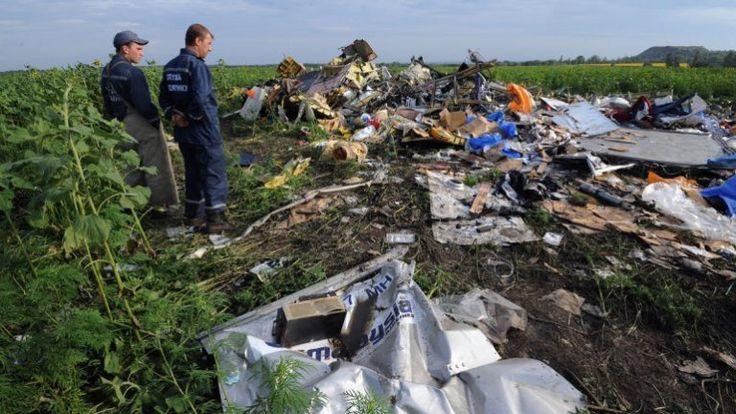 Analizarán el contenido de las cajas negras del avión de Malaysia - http://notimundo.com.mx/mundo/analizaran-contenido-cajas-negras-avion-malaysia-airlines/9742