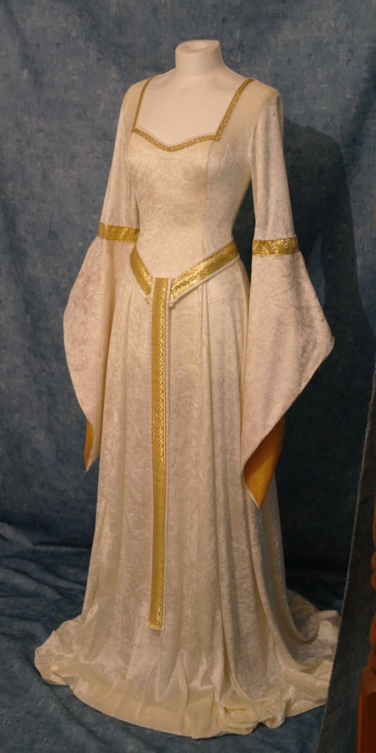 Gowns Pagan Wicca Witch:  Medieval #gown.