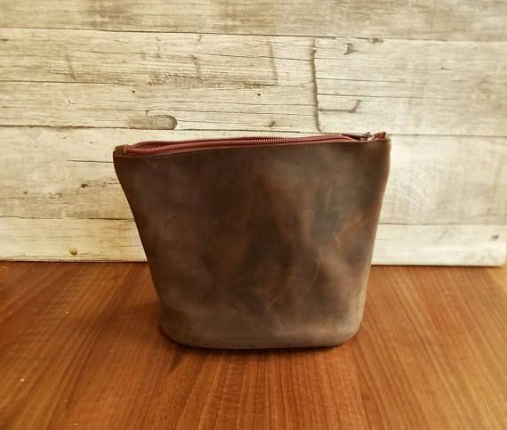 Leather case Cosmetic bag Dopp kit Men's toiletry bag