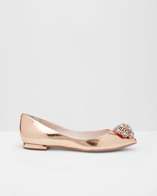 Chaussures plates à bout pointu décorées Or rose | Chaussures | Ted Baker FR
