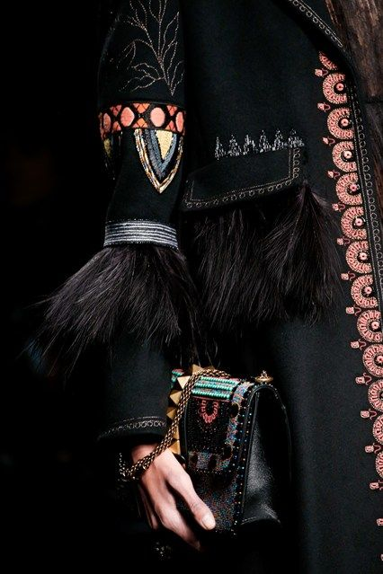 Valentino - Spring/Summer 2016 Ready-To-Wear - PFW (Vogue.co.uk)