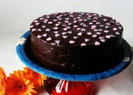 Tort Anca – ciocolata si gem de caise