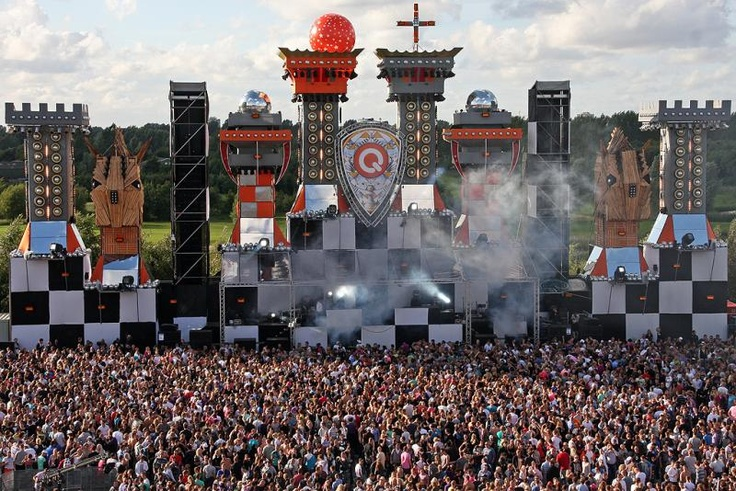 Mystery Land, Qdance stage