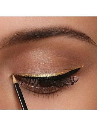 Glitter liner on top of black, could do this with the glitter liners from NYX in any color
