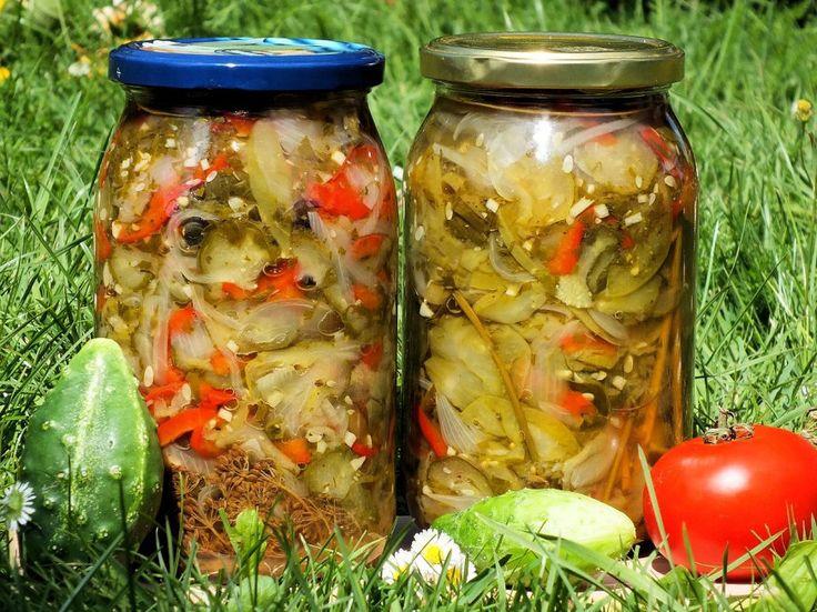 Sałatka z zielonych pomidorów i ogórków - zdjęcie 2