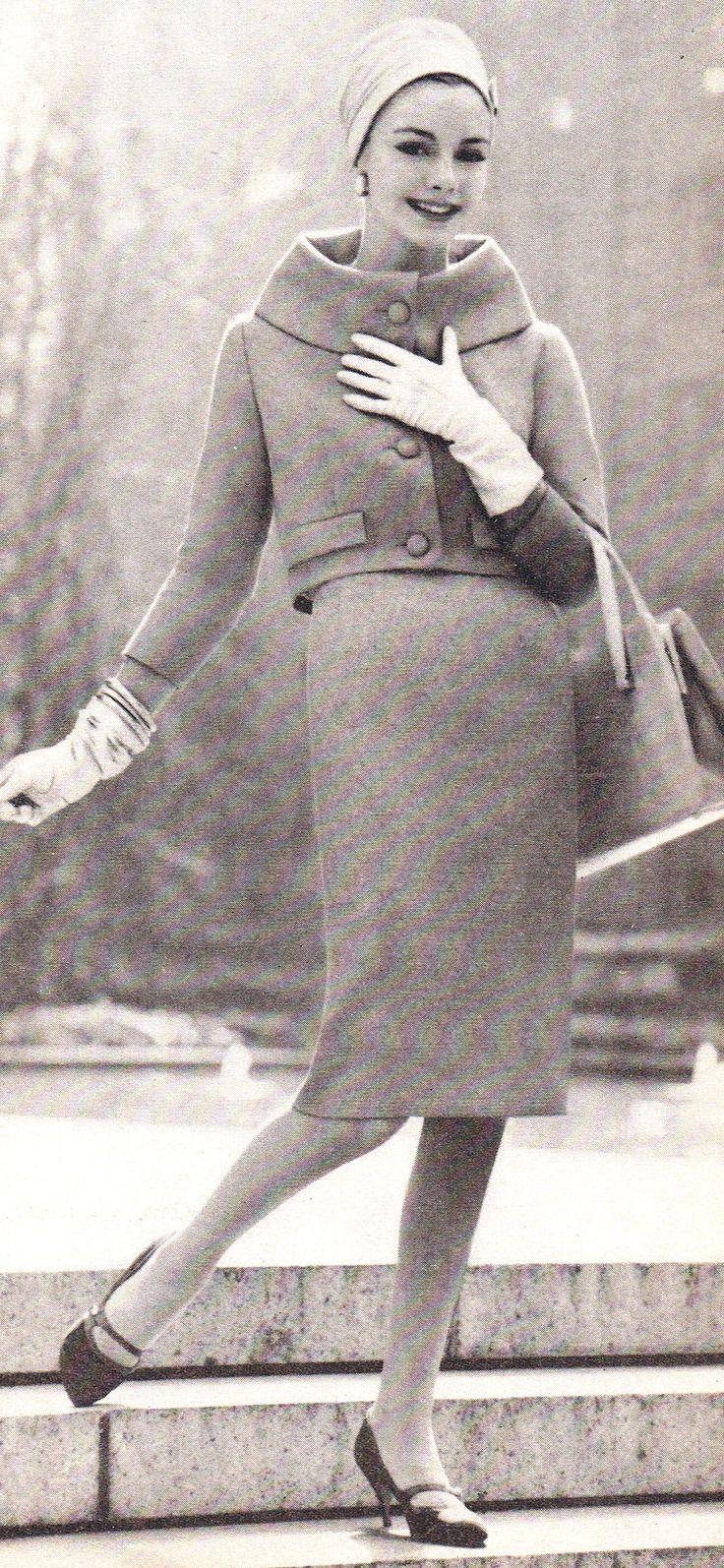 2827 best Vintage images on Pinterest | Vintage looking dresses ...