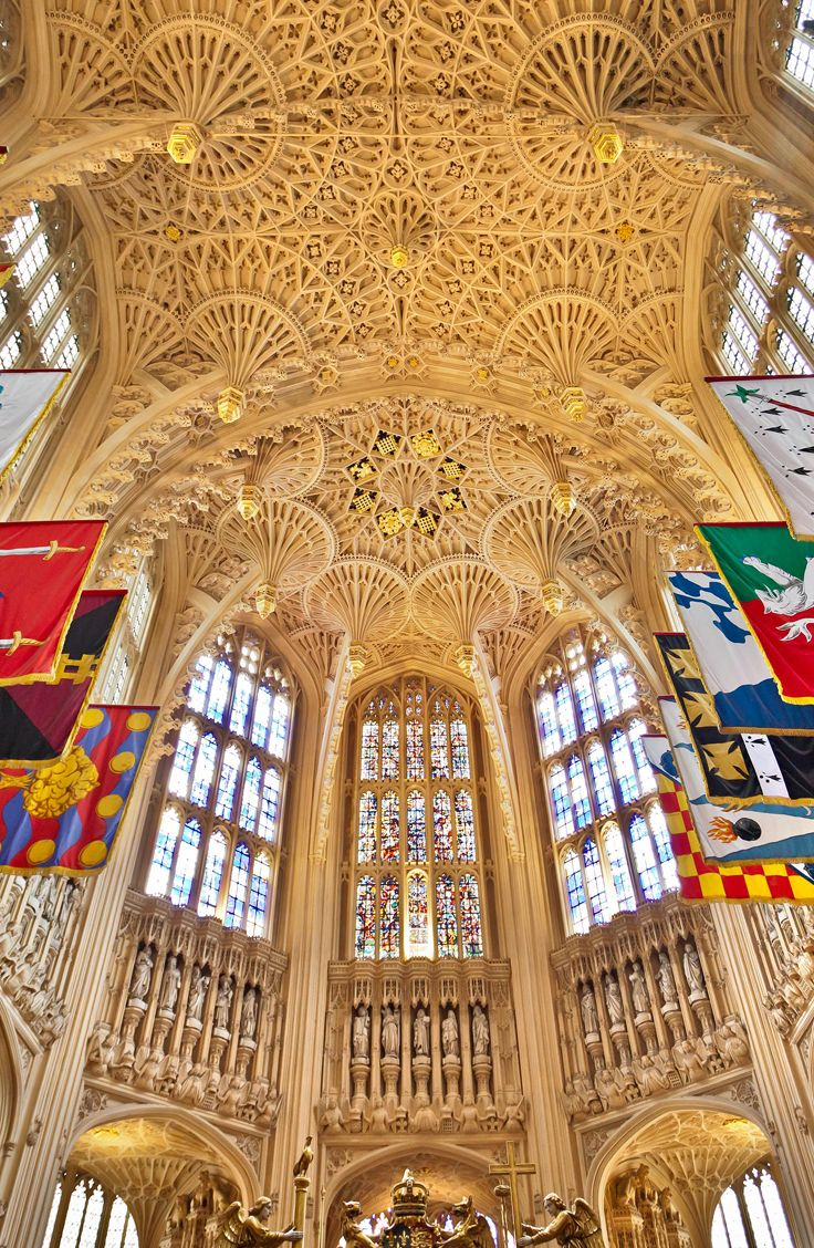 Map Uk Attractions%0A We visit Westminster Abbey  u     where England u    s kings and queens have been  crowned and buried since