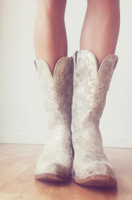 Bride Boots Western Rustic Wedding Pinterest Hippie