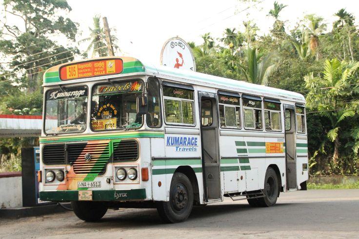 Bus in de omgeving van HomeStay Srilanka, Poddala