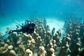 Cancun's underwater museum!