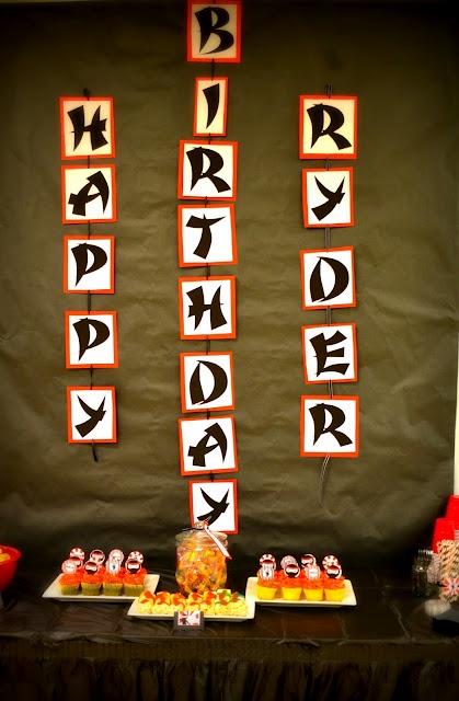 Boy's Ninja birthday party!  So cute.