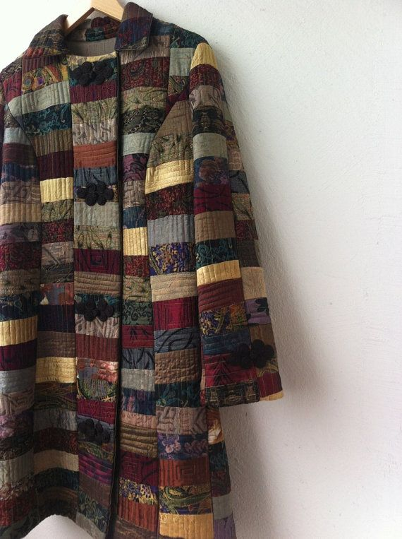 Klasické polo vybavená silueta patchwork prošívaný kabát v barvě indických drahokamy.  DOPRAVA ZDARMA