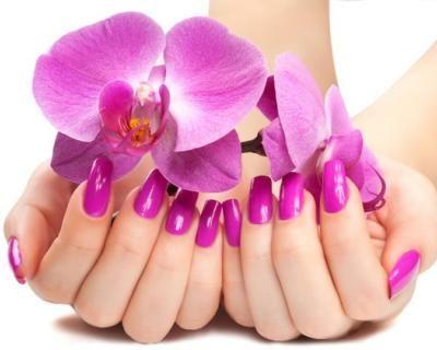 Mani eleganti: trattamento di ricopertura in gel di mani o piedi a soli 29,9 € anziché 60 €. Risparmi il 50%! | Scontamelo