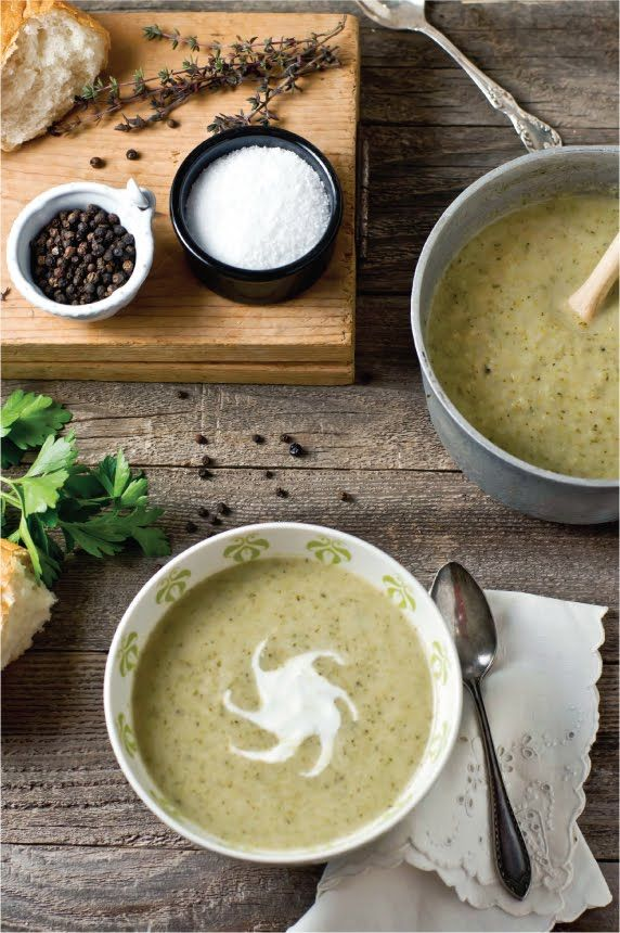 Roasted broccoli and cauliflower soup .
